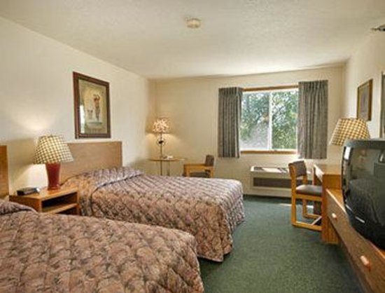 Days Inn Nisswa: Standard Two Double Bed Room
