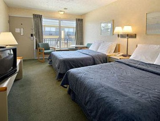 Days Inn Frankfort: Standard Two Double Bed Room