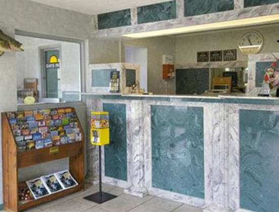 Days Inn West Point: Lobby