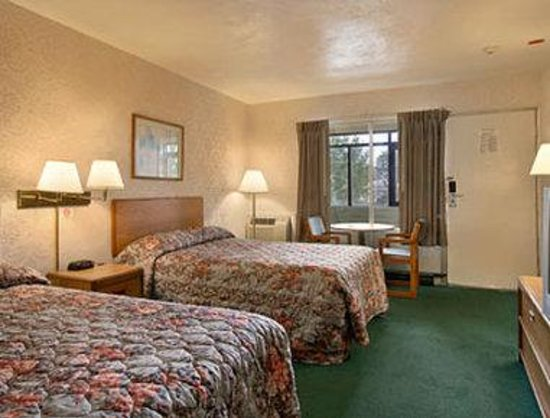 Days Inn - Attleboro: Standard Two Double Bed Room