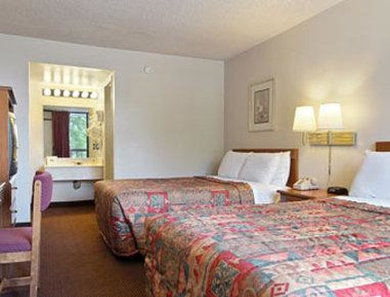 Days Inn Reno: Standard Two Double Bed Room