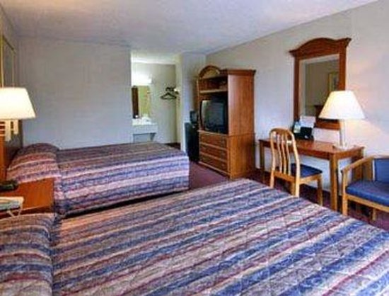 Days Inn Fort Jackson / Columbia Mall: Standard Two Double Bed Room