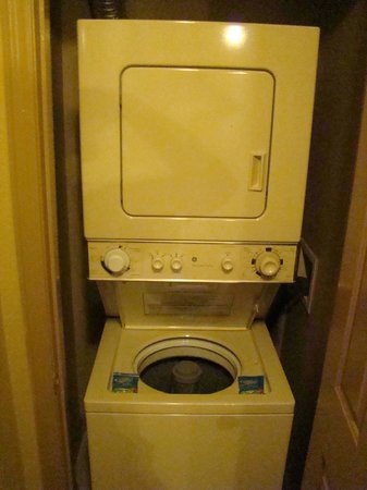 Wyndham Nashville: nice washer n dryer