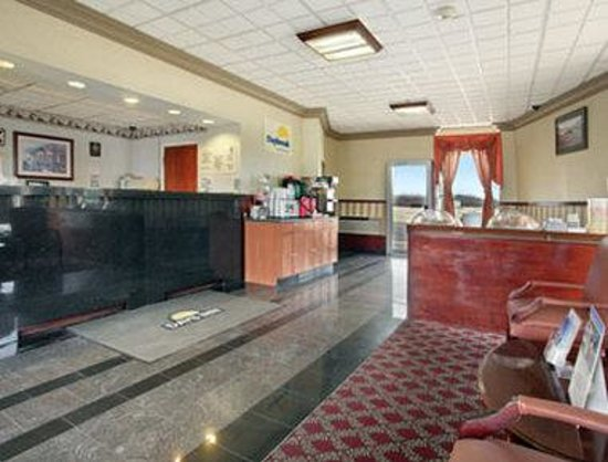 Days Inn Wrightstown: Lobby