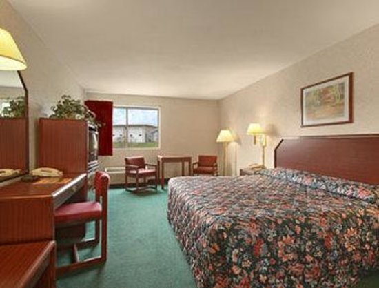Days Inn Cortland/McGraw: Standard King Bed Room