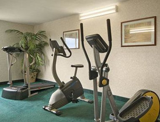 Days Inn Cortland/McGraw: Fitness Center