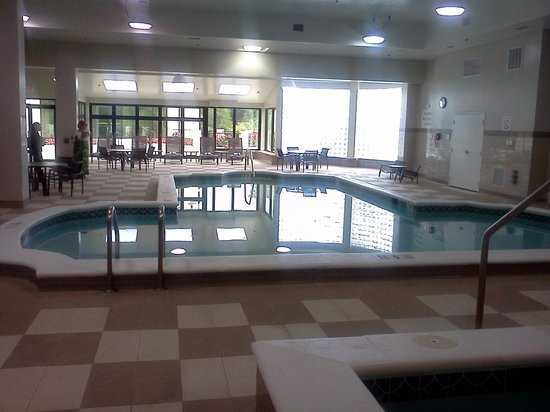 Sheraton Wilmington South: lovely indoor pool