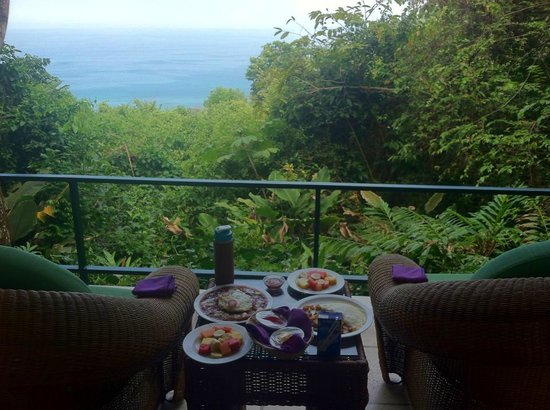 Makanda by the Sea: Breakfast on the Balcony!