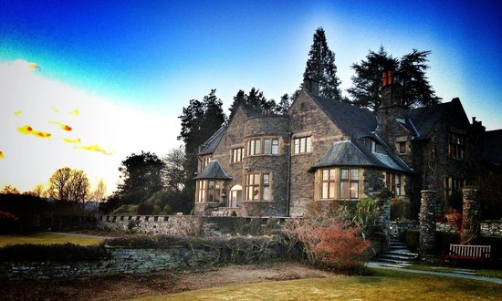 Cragwood Country House Hotel: Cragwood House at Sunset
