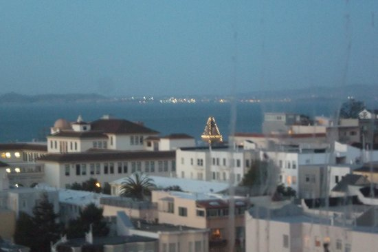 Comfort Inn by the Bay : bay with partial view of ghiradelli&#39;s 