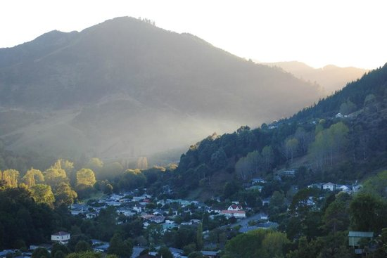 Te Maunga: A View up the Valley at Sunrise