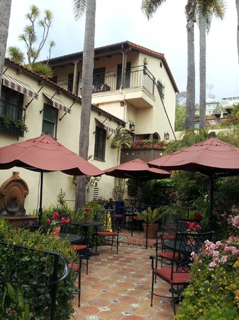 Casa Laguna Inn & Spa : Beautifully maintained buildings