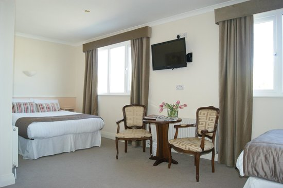 ‪Bantry Bay Hotel‬