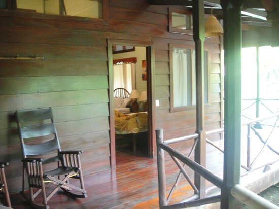 Pachira Lodge: cabin from outside
