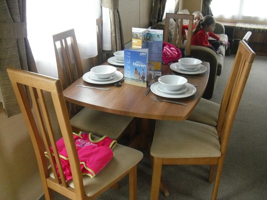 Thorpe Haven Holiday Park: dining table