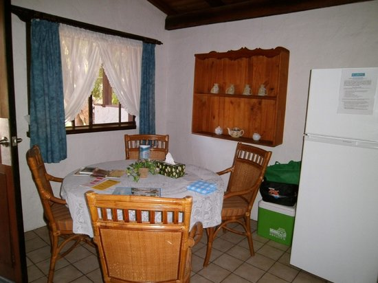 Sandy Bay Holiday Park: Dining area