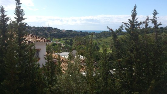 Royal Suites Marbella: Vistas al campo de golf