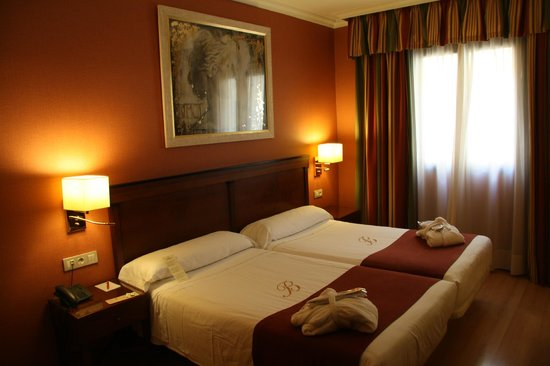 Hotel Becquer: Very Pleasant &#39;Standard&#39; Room