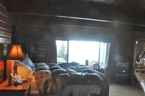Point-No-Point Resort: Bedroom, Cabin #2