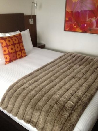 Hotel Modera: bed close up