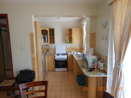 Ole Dume Serviced Apartments Hotel: Kitchen