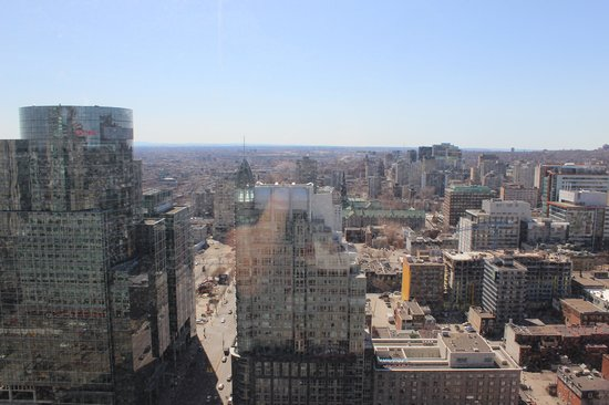 Sheraton Le Centre Montreal Hotel: city view from 35th floor