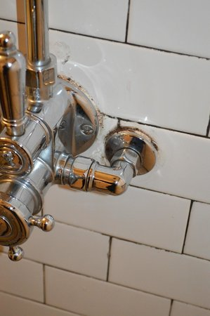 The Jane: Rusty fixtures in the bathroom
