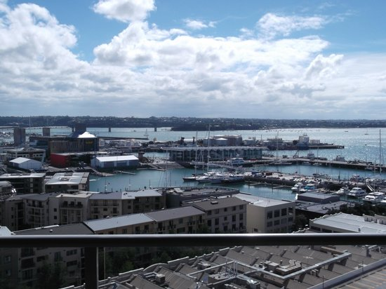 Grand Chancellor Auckland Hotel: more views