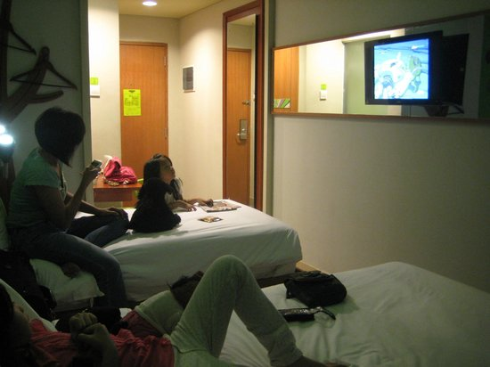 MaxOneHotels @ Sabang: Very Dark Room