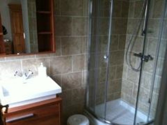 The Sun Inn: New bathroom