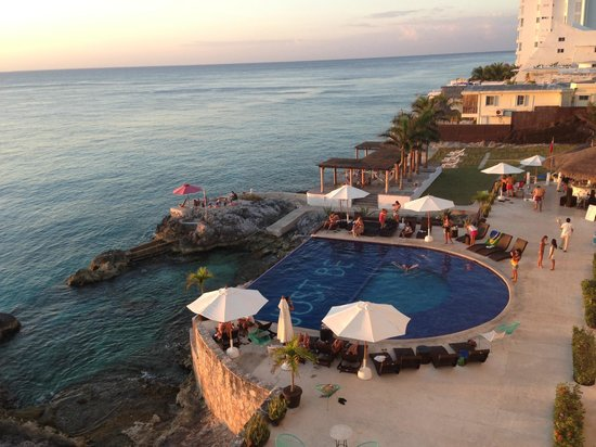 Hotel B Cozumel: View from the room.