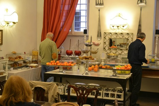 Hotel Adriano : buffet morgenmad 