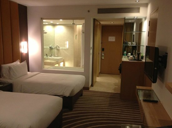 Holiday Inn Mumbai International Airport: Amazing modern and immaculate accomodations