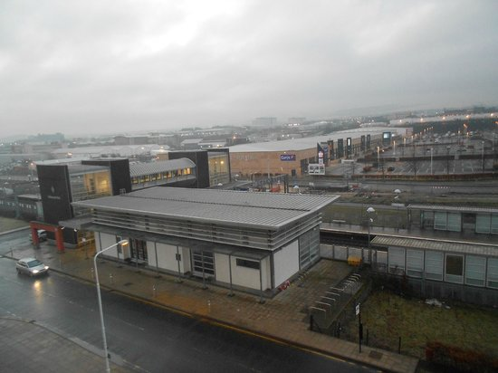 Premier Inn Edinburgh Park - The Gyle : Railway station from our hotel room