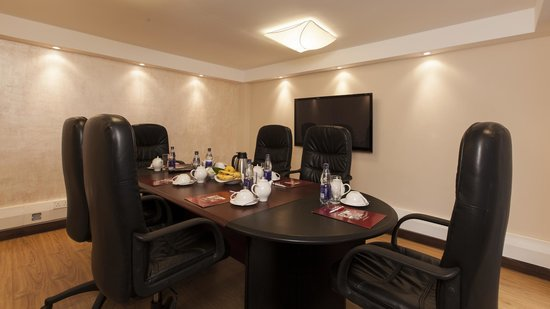 Heri Heights Serviced Apartments: Papyrus Boardroom