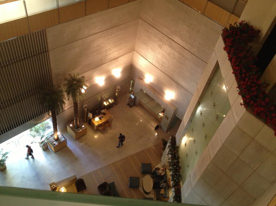 The Pride Hotel Ahmedabad: A view of Lobby from Sixth Floor