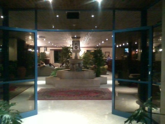 Hotel LaMada: entrance