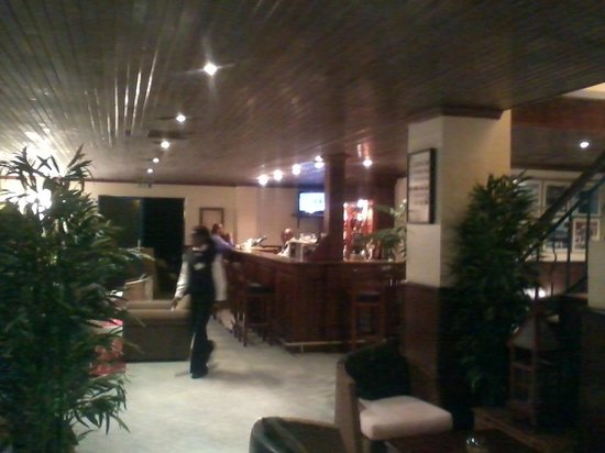Hotel LaMada: bar area