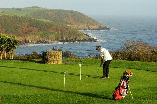 Leahys Lee House: Putting Green Youghal Golf Club