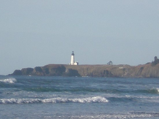 Waves of Newport: Yaquina Lighthouse