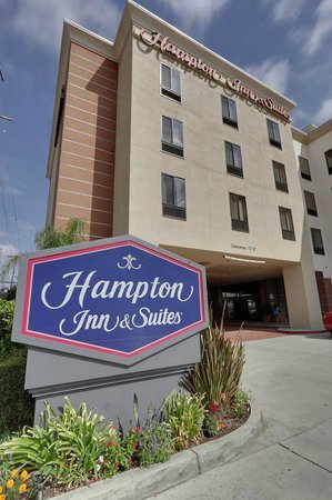 Hampton Inn & Suites Los Angeles/Sherman Oaks: Exterior
