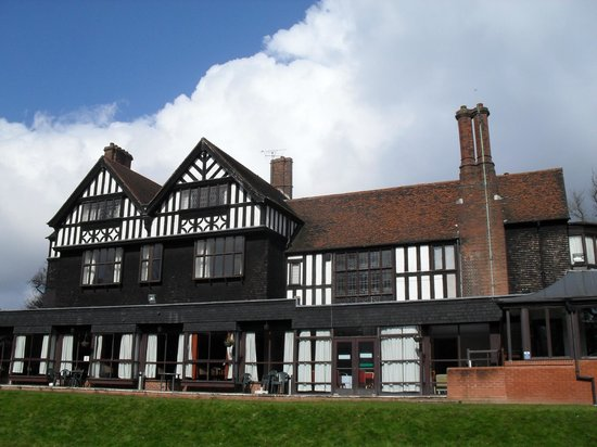 Royal Court Hotel Keresley