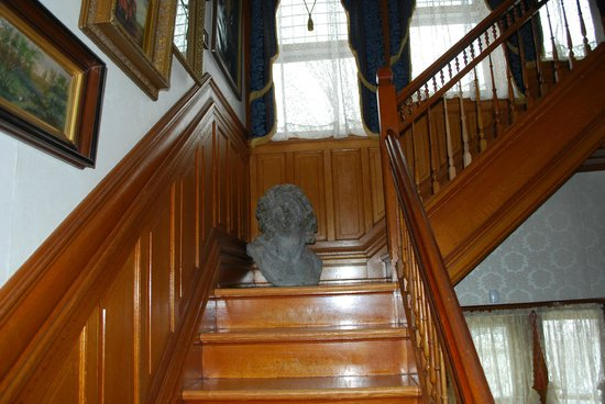 Smethport, Pensilvania: Stairwell to the 2nd floor
