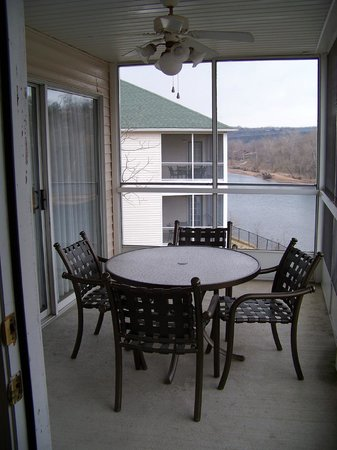 Suites at Fall Creek: Screened patio
