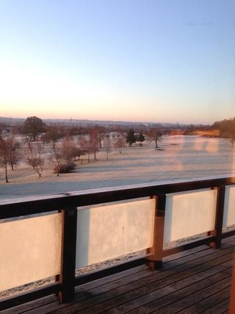 Belton Woods Luxury Lodges : frosty view