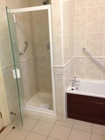 Faithlegg House Hotel & Golf Resort: Bathroom