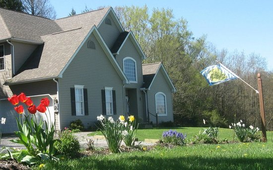 Seven Sisters Bed & Breakfast at McEwen Falls