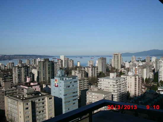 Blue Horizon Hotel: English Bay view
