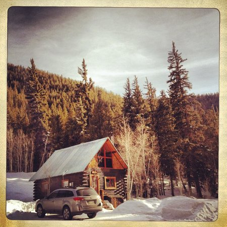 Pioneer Guest Cabins: The Alpenglow Cabin