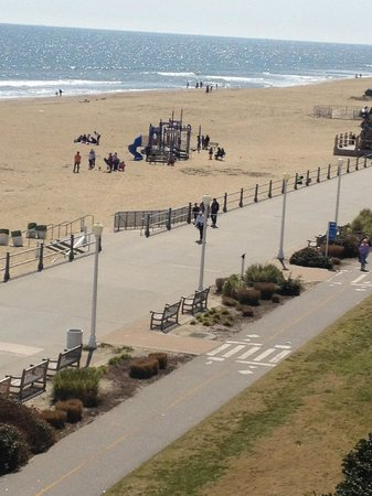 Hampton Inn Virginia Beach Oceanfront North: play ground